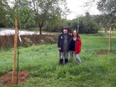 Bäume sind super! Bürgerforum Sinzig hat am 03.10.2019 eingebuddelt ….